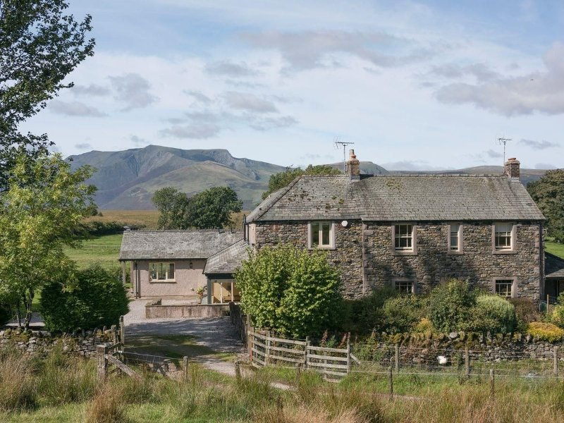 GLEN COTTAGE, pet friendly, wifi, parking, in Matterdale nr Keswick, Ref 972337, holiday rental in Dockray
