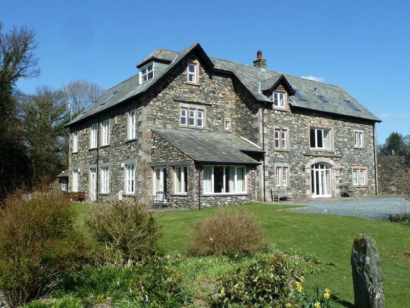 MAPLE COTTAGE, luxurious and spacious, WiFi, electric fire, in Keswick, vacation rental in Castlerigg