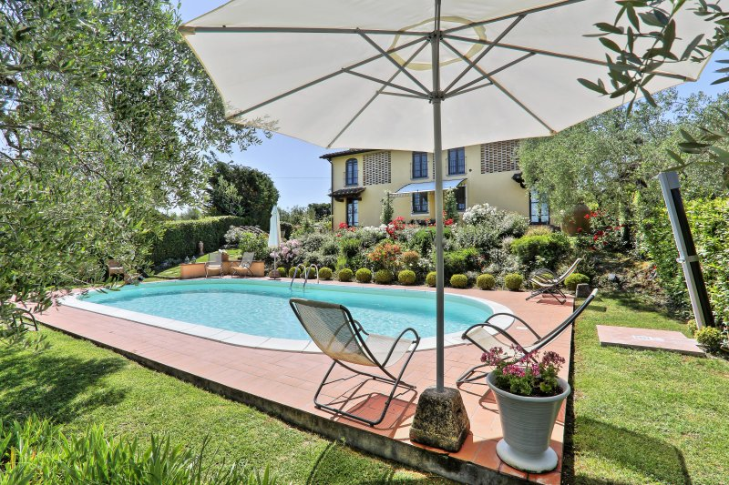 Private villa with pool in the Chianti. Villa Maria, up to 12 persons in 5 rooms, Ferienwohnung in Castelfiorentino