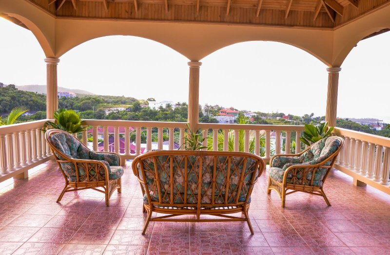 Palmers Luxury Retreat | 10 mins drive from MBJ, location de vacances à Montego Bay
