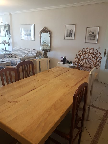 Table dining / living room