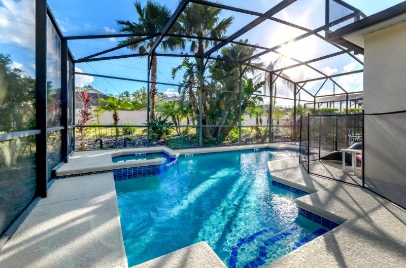 Fantástica villa con piscina privada con spa en el burgués y entorno tranquilo de Calabay Parc TL