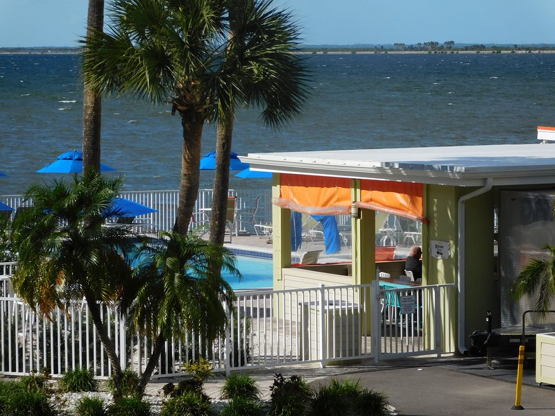 Relaxing Waterfront near Airport, Downtown, Clearwater ...