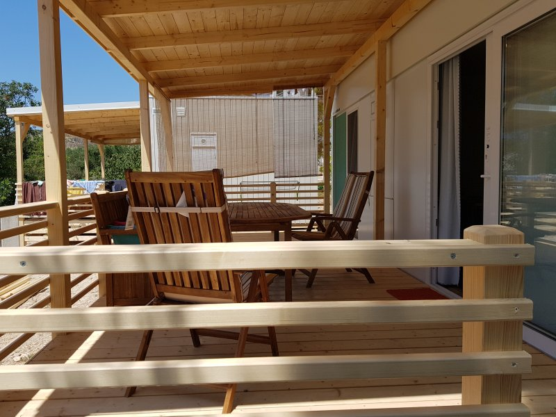 Nice house near the beach & terrace, location de vacances à Zivogosce