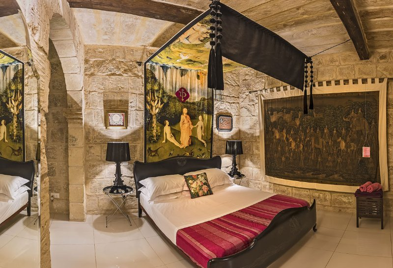Indulgence Divine, 16th Century house, vacation rental in Bahar ic-Caghaq