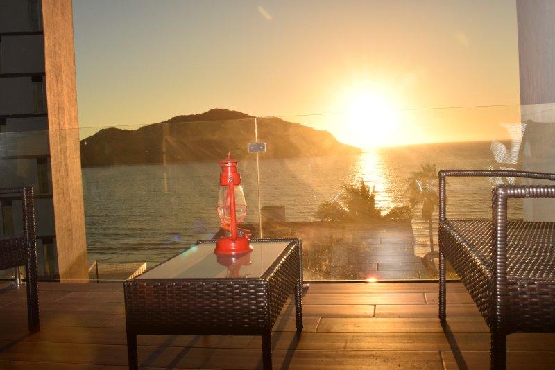 Apartamento de luxo com vista para o mar 100% mobilado com espectaculares vistas do mar