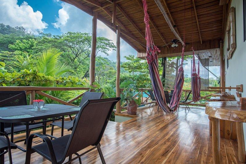 Villa ALMENDRO of Villas Solar, Walk to Beach, Best Surf, Market and Restaurants, vacation rental in Santa Teresa