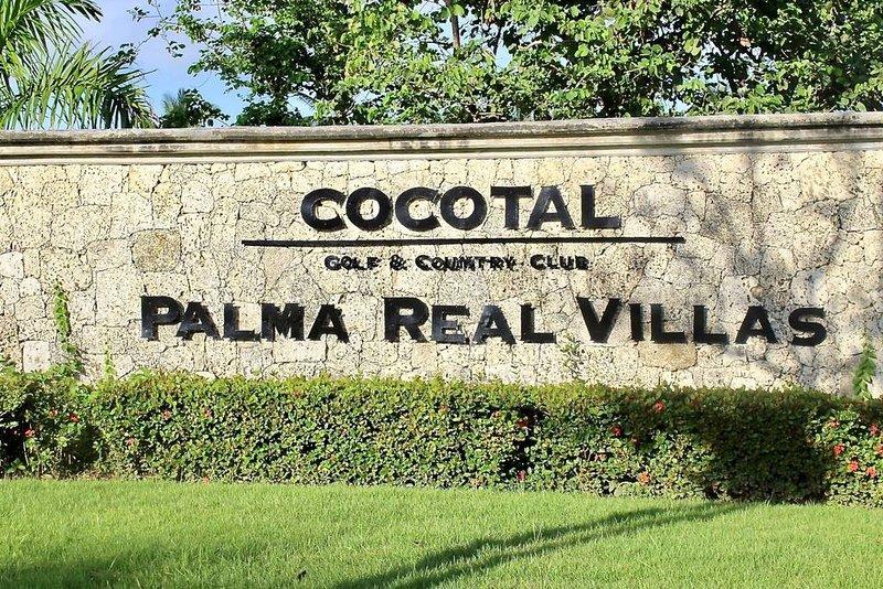 Den lägenheten ligger inom Cocotal Golf & Country Club, bostads projekt Melia.