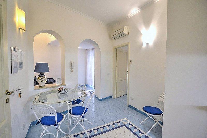 Amalfi Villa Sleeps 3 with Air Con - 5228471, holiday rental in Amalfi