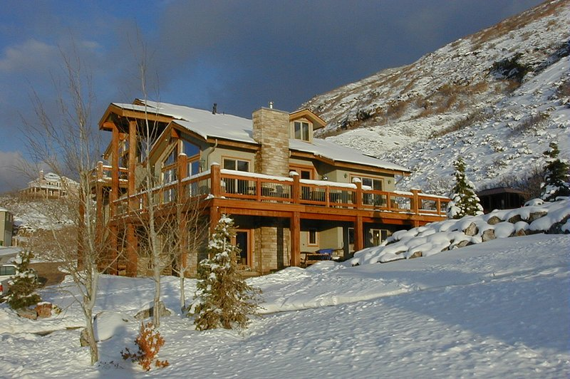 5 + Bedroom Vacation Home with 10-person Hot Tub Near Cottonwood Canyons, casa vacanza a Alpine