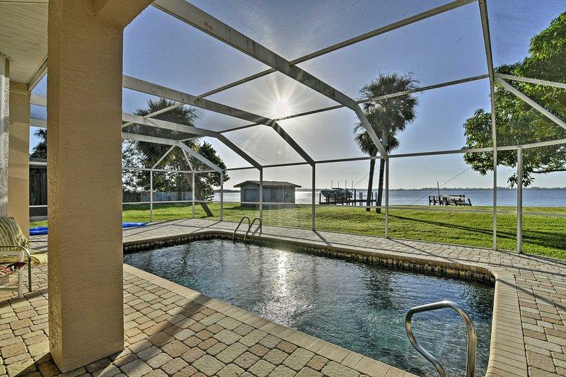 Planificar su próximo viaje familiar de Florida en este impresionante 3 dormitorios, 3 baños casa de alquiler de vacaciones en Punta Gorda.