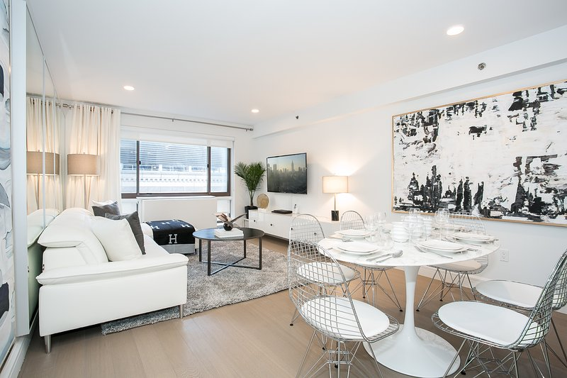 Contemporary 2 Bed In High End Building Midtown Near Times Square