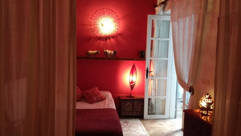 eerste verdieping slaapkamer met tweepersoonsbed. No.1