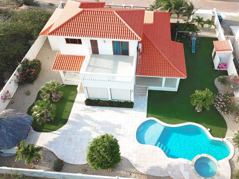 Villa Tropical Breeze, holiday rental in Noord