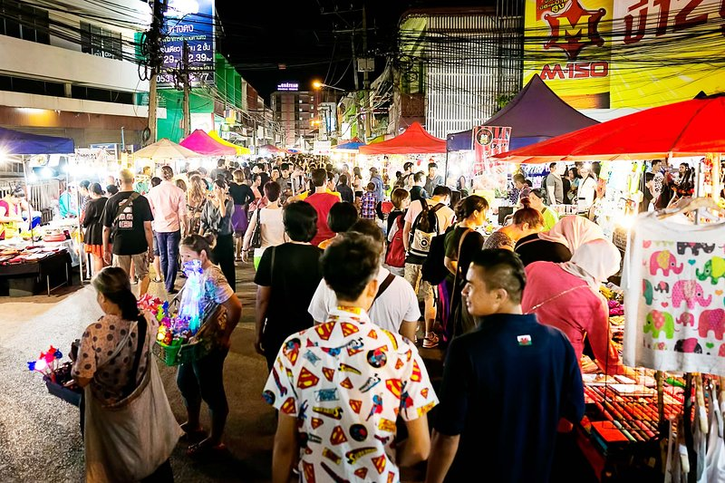 The Saturday and Sunday Night 'Walking Street' markets are very close by.