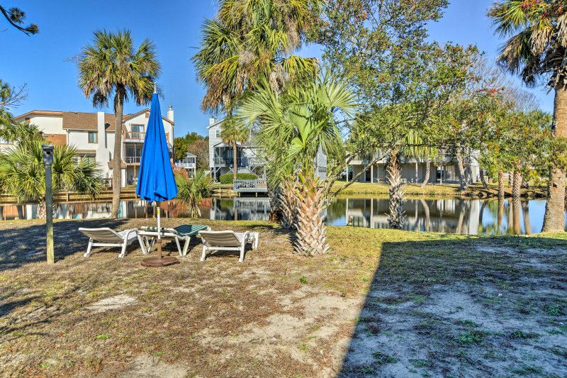 This waterfront abode is within walking distance of numerous attractions!