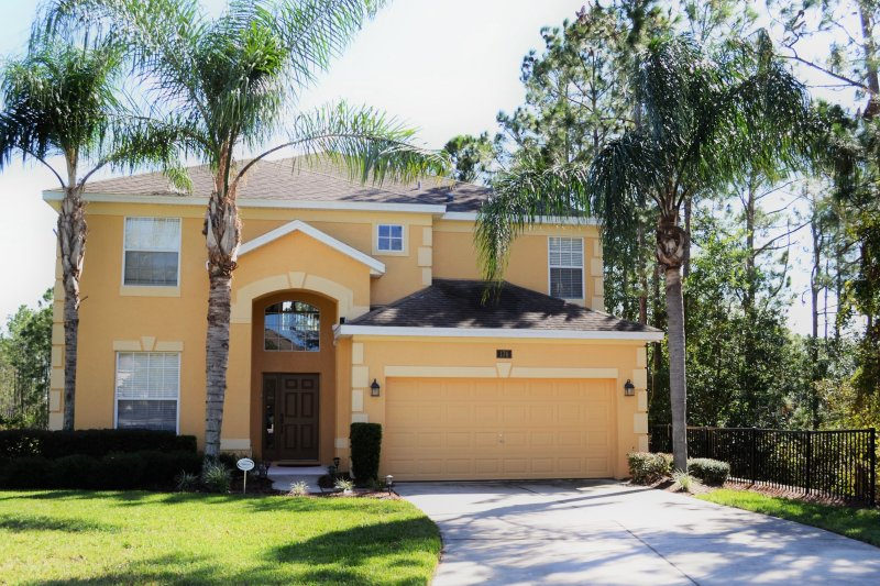 5 bed 4 5 bath pool home watersong 176 has parking and dvd player rh tripadvisor com