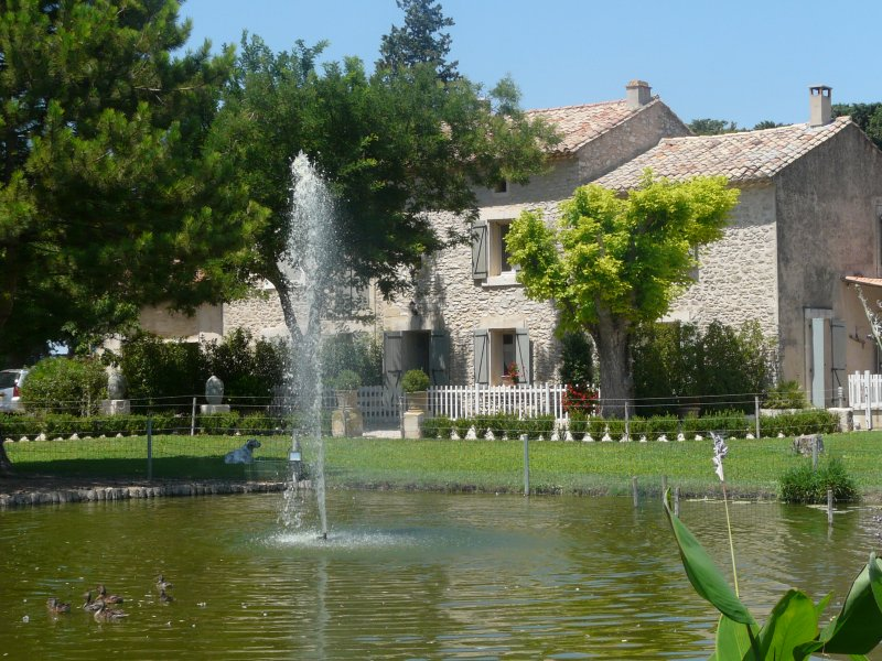 Beautiful Provencal house with pool in the Vaucluse