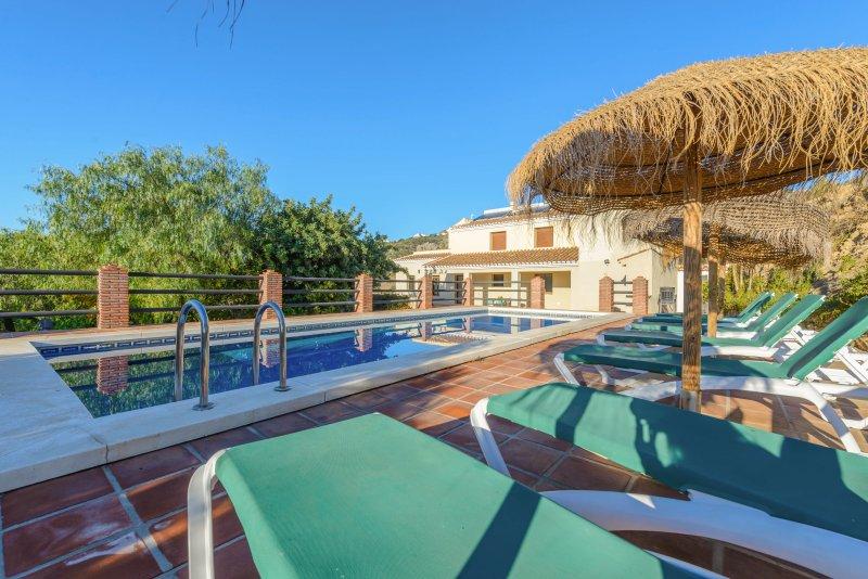 Villa Los Poyatos, holiday rental in Comares