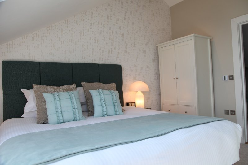 Drifter bedroom on the top floor with Super king or Twin beds and extra large shower in en suite