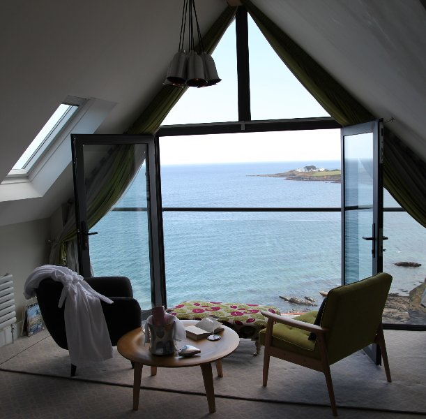 Pebble House - jaw dropping sea views Luxurious. 6 all en suite bedrooms Parking, casa vacanza a Mevagissey