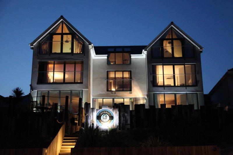 Pebble House at night !