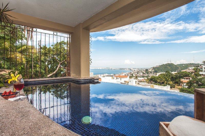 CASA ROMANTIQUE - 2 king bedroom and 2 baths, pool, vacation rental in Puerto Vallarta