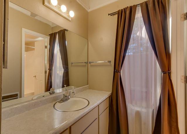bedroom 2's bathroom