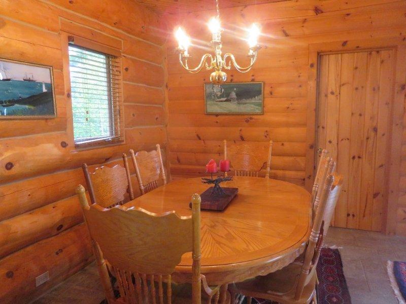 comedor en Castaway Ocean Lodge
