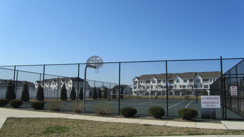 Community Tennis & Basketball Courts