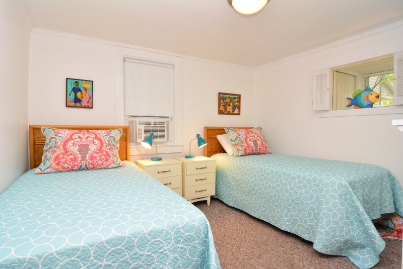 BR # 8 Two Twin Beds