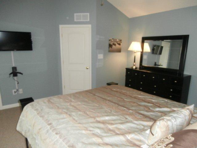 BR # 2 Queen Bed w/ Flat Screen TV