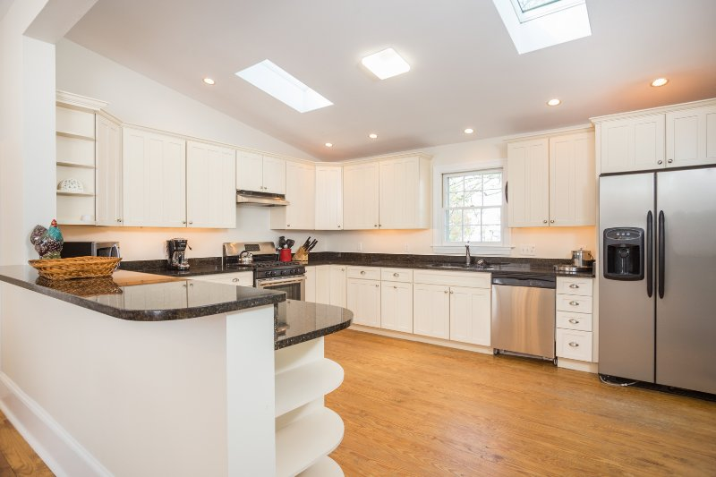 Over Sized Kitchen w/ Granite & Stainless Steel Appliance
