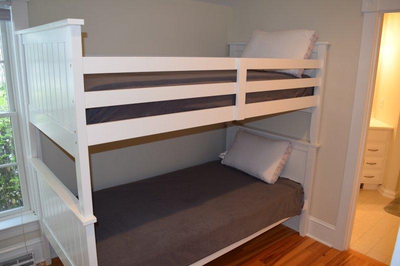Bedroom w/ Twin Bunk Beds- Bottom Level