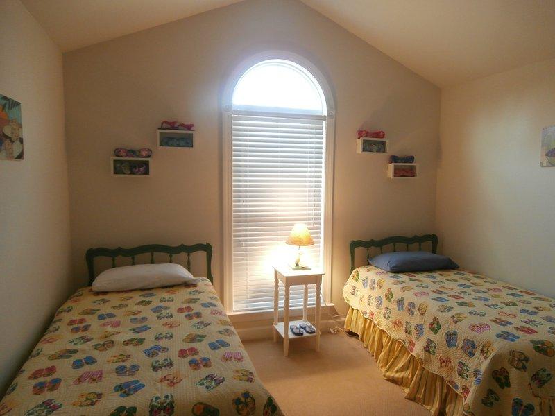 Bottom Floor 2 Twin Beds