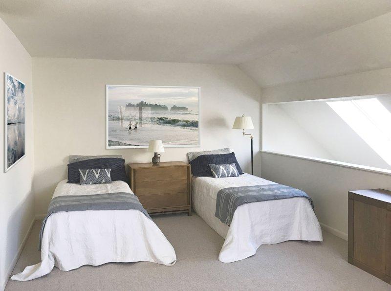Loft with full bathroom, 2 beds, sleeper sofa and skylights