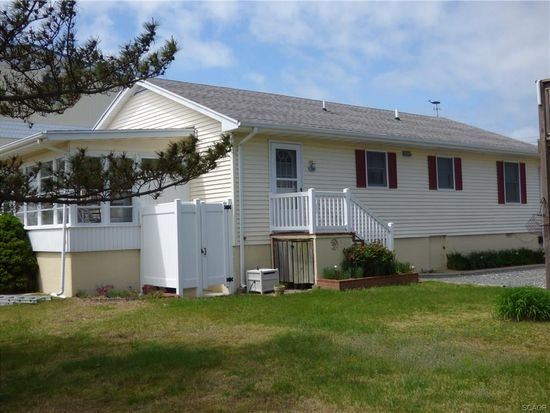 Welcome to 10 West Essex in Fenwick Island!
