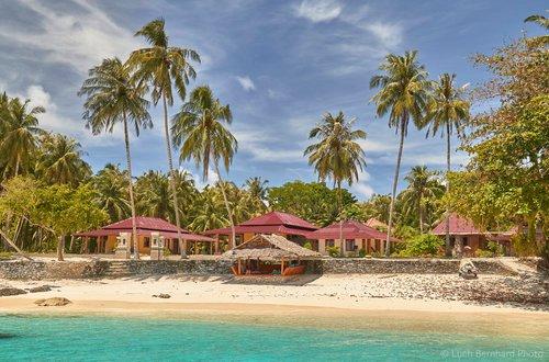 Puri Asu Resort (Wooden Sumatra house - Room 2), vacation rental in Gunungsitoli