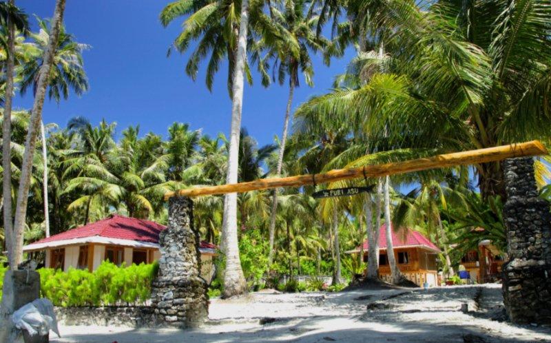 Puri Asu Resort (Bungalow 3 Room 2), vacation rental in Gunungsitoli