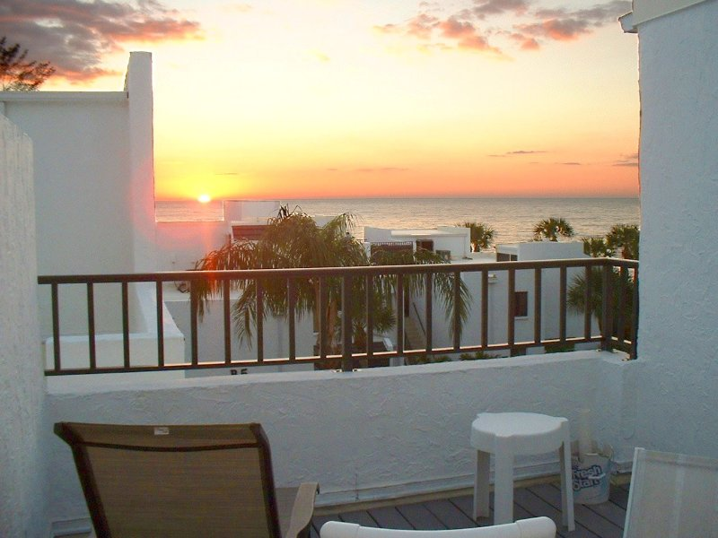 Nice Gulf Views from this Beautiful Condo, includes free WiFi, holiday rental in Manasota Key
