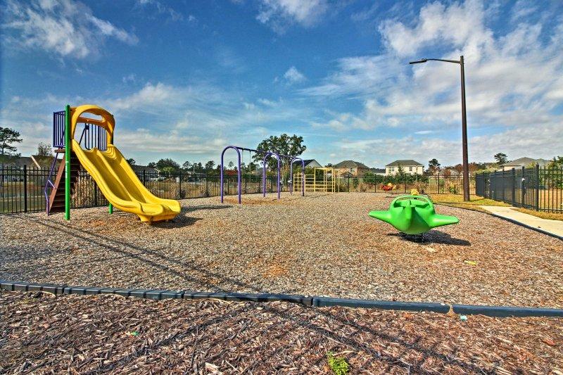 Laat de kinderen opraken hun energie op de speelplaats.
