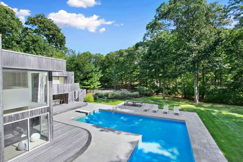 Escape to this exquisite New York home for the ultimate family vacation!