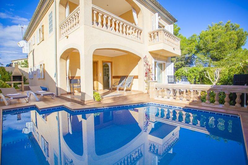 CA NA CARAGOLA - Villa for 6 people in Son Serra de Marina, holiday rental in Son Serra de Marina