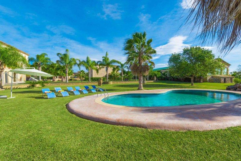 SON PEROT - Villa for 8 people in Maria de la Salut, alquiler de vacaciones en Mallorca