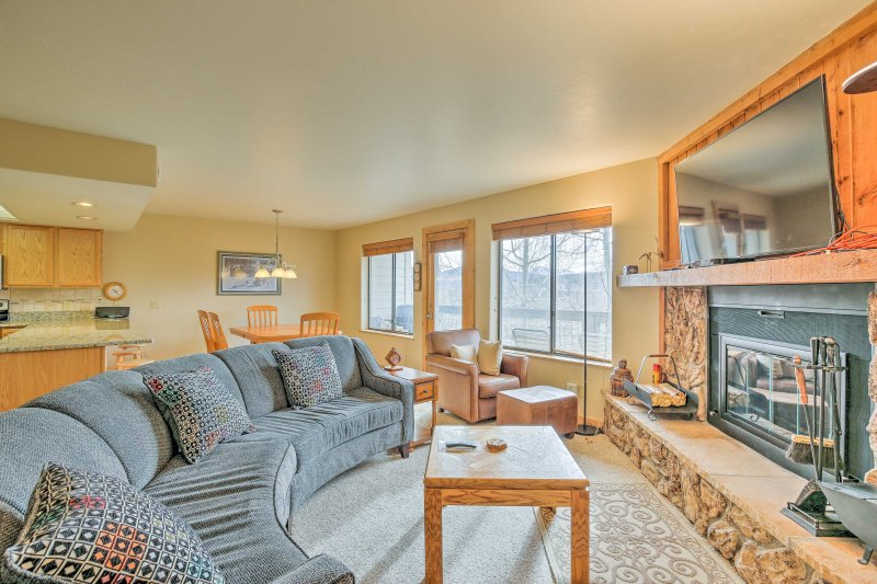 Begin your Silverthorne getaway at this 2-bedroom, 2-bath vacation rental condo!