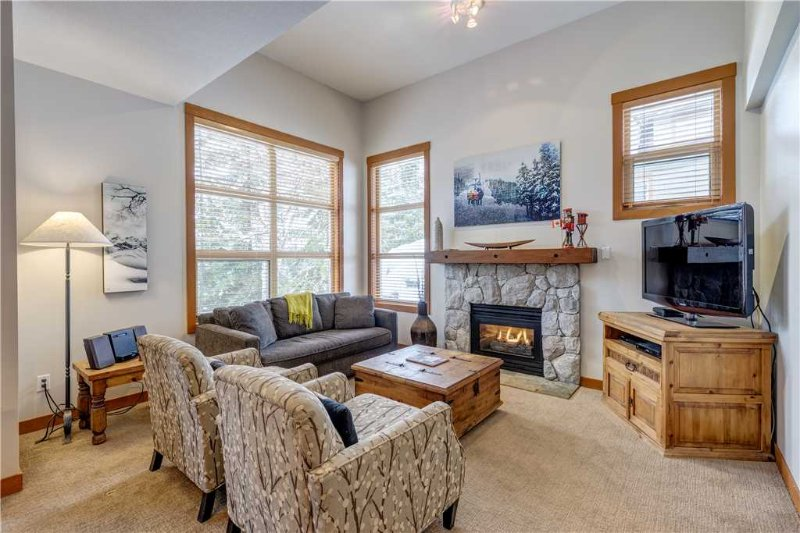 Highest Ski-In/Ski-Out Townhome on Blackcomb Mountain / 215035 Chalet in Whistler
