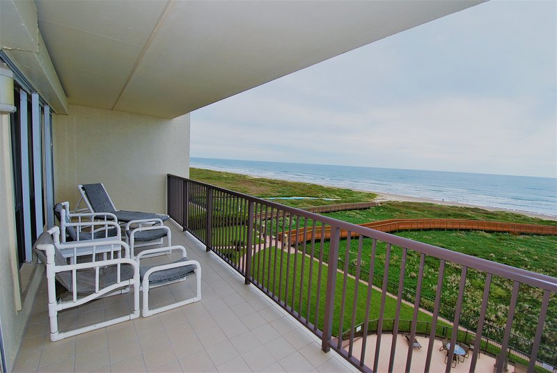 Private Balcony on 5th floor: Great for Watching the Sunrise, Reading, Listening to the waves, and Cocktails