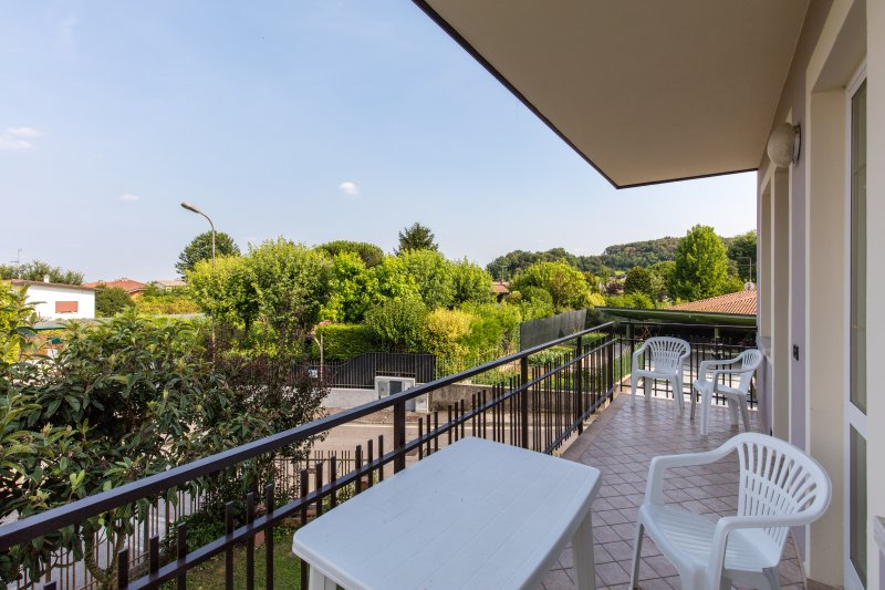 GardaSole 1 - 200m from the beach - Terrace - Pet friendly, vacation rental in Prevalle