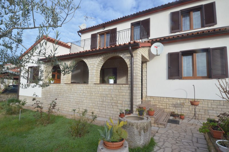 ROOM PIUTTI 1, holiday rental in Bibici