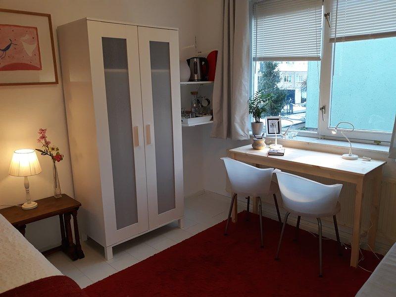 B&B - The Room Downstairs, holiday rental in Zaandam